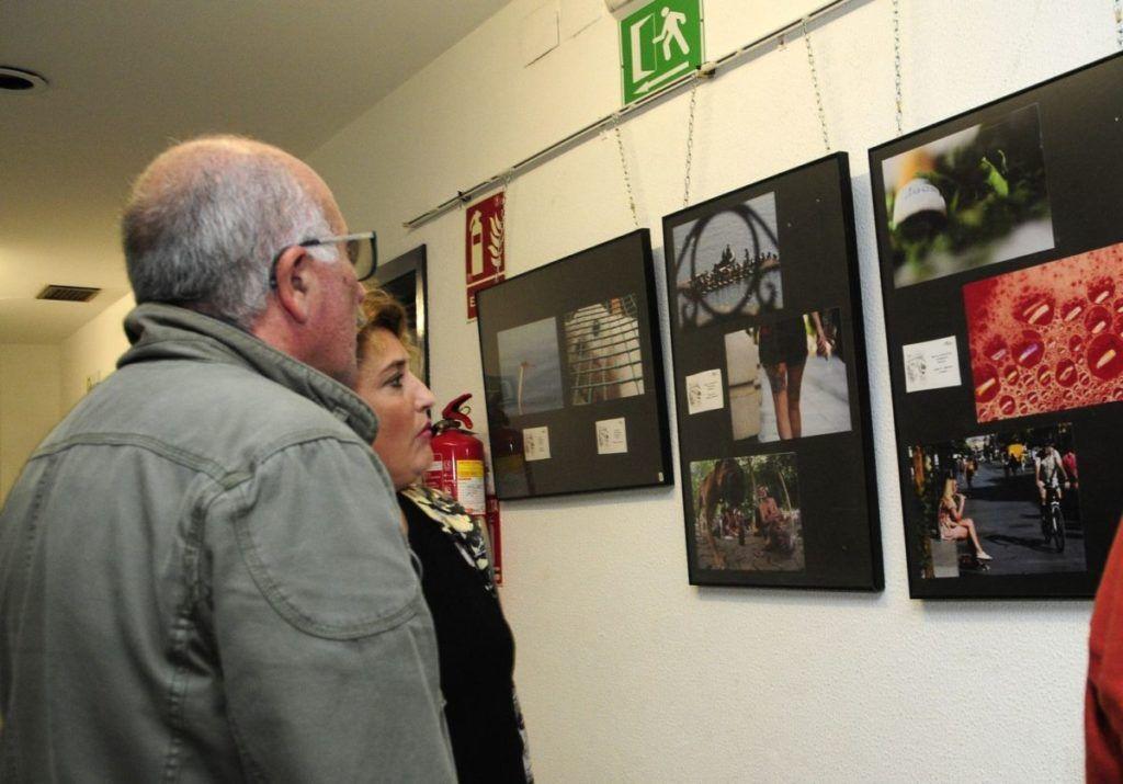 espectadores exposición 7 photourban