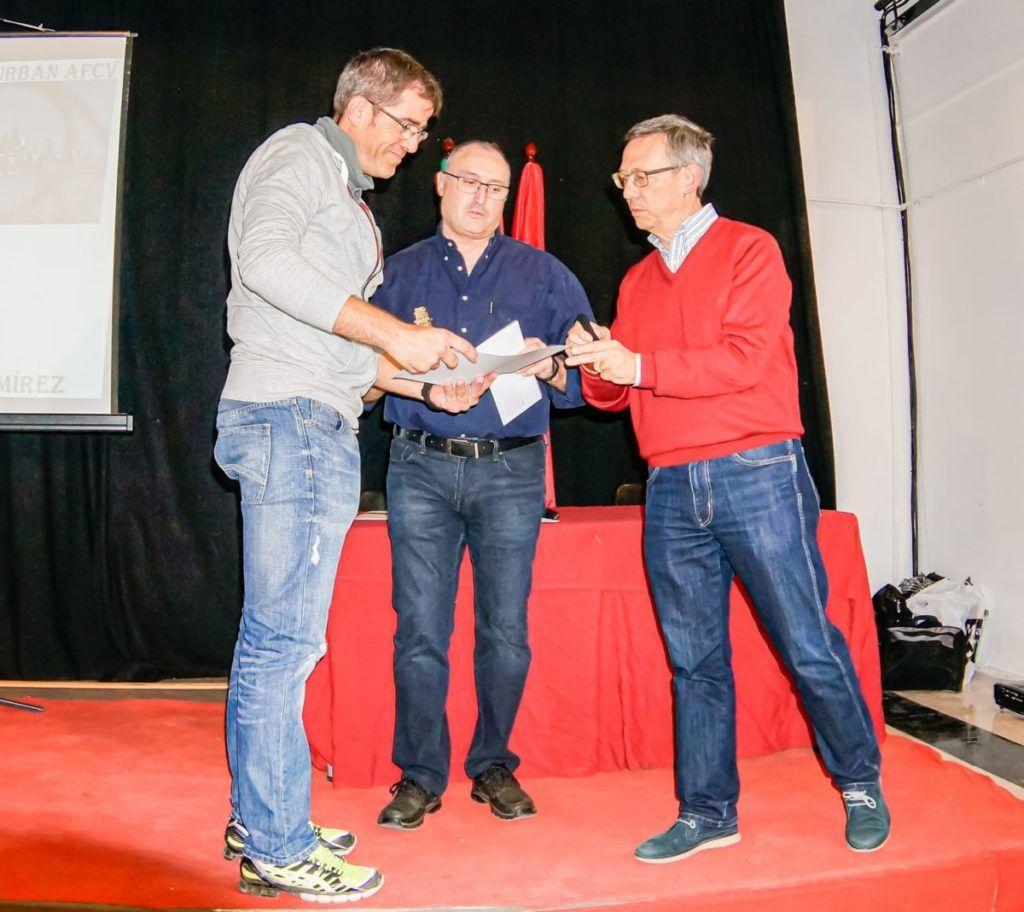 entrega de premio a ganador general serie