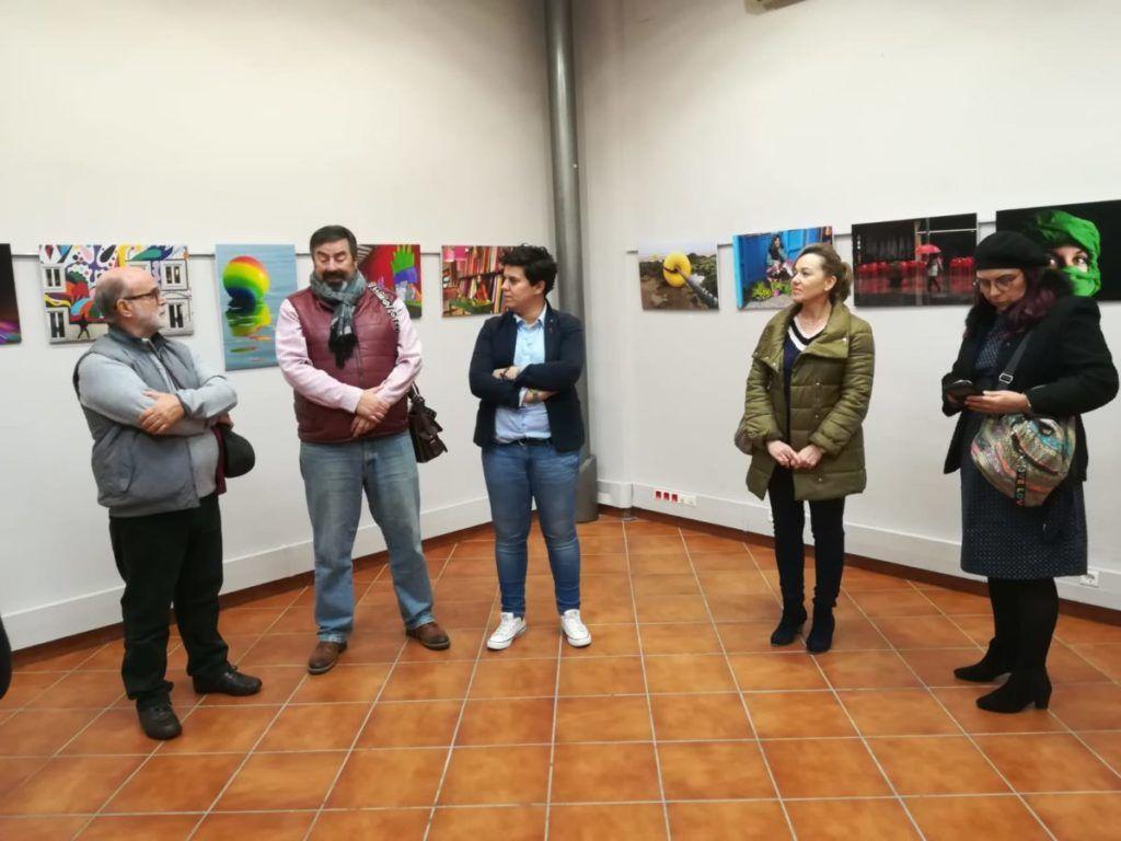 presentación de la exposición colores en Almensilla