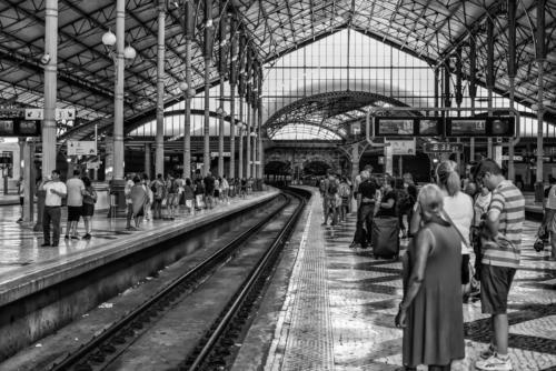 Trenes - Antonio García Moreno - ANDEN LA ESPERA. Fotografía ganadora.