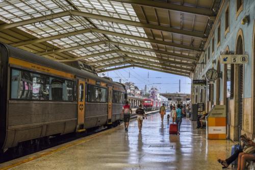 Trenes - Antonio García Moreno - VIAJAR EN TREN