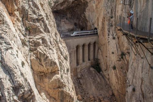 Trenes - Antonio Montilla-Dos caminos dificiles