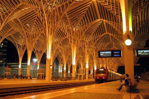Trenes - Antonio Montilla-Gotico ferroviario