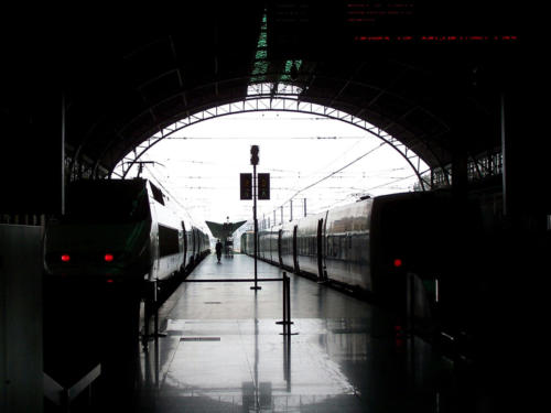 Trenes - Fernando Bedoya-Estación de Valencia II